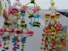 Pająki Danuty Sroki Paper Chandelier, Chandelier Ideas, Craft Projects, Craft Ideas, Paper Trail, Nice Ideas, Faux Flowers, Garlands, Exhibit