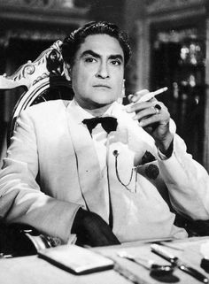Remembering Ashok Kumar, one of the most versatile and iconic actors of all times, on his death anniversary. The name has now passed into the history of Hindi cinema as a legend. Old Film Stars, Ashok Kumar, Film Icon, Vintage Bollywood, Golden Star, Bollywood Stars, Bollywood Celebrities, Best Actor, Actors & Actresses