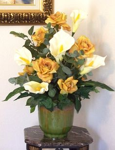 50 Super Ideas For Flowers Arrangements Roses Calla Lilies Calla Lily Flowers, Shade Flowers, Calla Lilies, Silk Flowers, Artificial Floral Arrangements, Flower Arrangements Simple, Artificial Flowers, Silk Arrangements, Wedding Flower Decorations