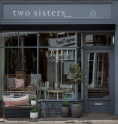 two sisters home in london * image by two sisters