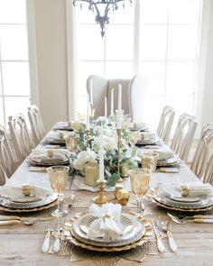 gold and white fall tablescape Thanksgiving Table Settings, Thanksgiving Centerpieces, Fall Home Decor, Autumn Home, White Table Settings, Styling A Buffet, Highland Homes, White Plates, Fake Flowers