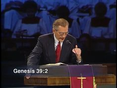 Adrian Rogers: Practicing the Presence of God [#2247]