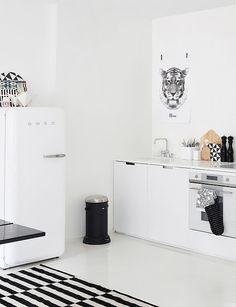 ブラック&ホワイト!スタイリッシュな北欧キッチンのインテリア実例40|賃貸マンションで海外インテリア風を目指すDIY・ハンドメイドブログ<paulballe ポールボール>
