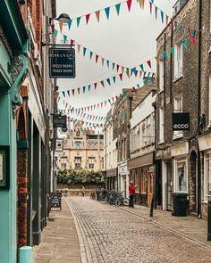 """My Darling Londres 💕 on Instagram: """"Mais um cantinho super charmoso de Cambridge ❤️ Os stories com as dicas da cidade estão todos salvos nos destaques . Ahhh, e na primeira…"""""""