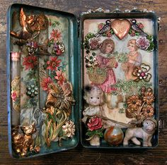 """Laurie Zuckerman's forget-me-not memory tin, """"Sweethearts"""" Altered Tins, Altered Art, Paper Crafts, Diy Crafts, Handmade Crafts, Handmade Rugs, Shadow Box Art, Tin Art, Altoids Tins"""