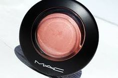 MAC Blush New Romance Mineralize Blush - Veja a resenha do produto no nosso site. #ficadica #dicadeproduto #produtotop #brandlovers #beauty #beautyblender #tendência #sucesso  #blush #mac