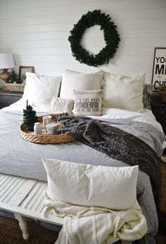 Christmas Bedroom Decorations 30 christmas bedroom decorations ideas | natal, bed blankets and