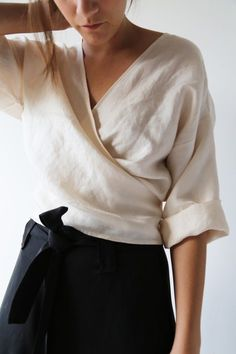 top / wrap . generous . rolled sleeve . make me [ Wickelbluse ]
