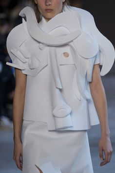 View all the detailed photos of the Viktor & Rolf haute couture spring 2016 showing at Paris fashion week. Viktor Rolf, Spring T Shirts, Fashion Lookbook, Spring 2016, Wearable Art, Runway, Ruffle Blouse, Design Inspiration, Detail