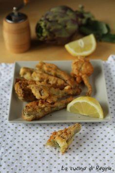Carciofi pastellati un antipasto da re, spicchi di carciofi avvolti in un pastella e fritti. Deliziosi croccanti fuori e morbidi dentro