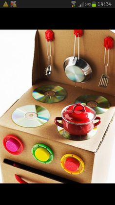 Cardboard kitchen stove and other DIY cardboard box crafts Kids Crafts, Projects For Kids, Diy For Kids, Crafts To Make, Project Ideas, Baby Crafts, Craft Ideas, Cardboard Kitchen, Cardboard Box Crafts