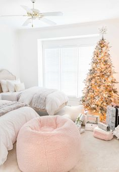 Super big and cozy Sherpa beanbag - a great Christmas gift idea for teen girls! Super big and cozy Sherpa beanbag - a great Christmas gift idea for teen girls! Cohesive DIY Home Decor Ideas Super big and cozy Sherpa beanbag - a great Christmas gift i Teen Christmas Gifts, Christmas Bedroom, Christmas Home, Christmas Interiors, Country Christmas, White Christmas, Christmas Trees, Christmas Decorations, Xmas