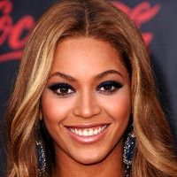 Blond haar en bruine ogen. Een top 10 van modellen en beroemdheden met blonde haren en bruine ogen. Beyoncé Knowles