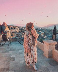 cappadocia hijab Peace is the simplicity of heart, serenity of mind, tranquility of soul, the bond of love Hijabi Girl, Girl Hijab, Hijab Dress, Hijab Outfit, Muslim Girls, Muslim Women, Muslim Fashion, Modest Fashion, Abaya Fashion