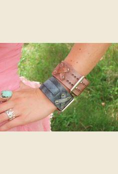 retro buckle cuff