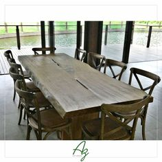 Mesa de jantar em madeira maciça à pronta entrega! Medidas: 2,50 x 1,00 x 78h Para orçamentos, consulte-nos! Az arte natural - Móveis em madeira, feitos a mão.
