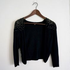 H&M Beaded Cardigan beautiful cardigan and super stylish. will dress up any look. perfect paired over a dress or your favorite top. great condition Sweaters Cardigans