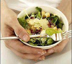 """""""En éste artículo aprenderás 4 trucos que serán muy útiles si quieres aprender a reducir el consumo de tus calorías y eliminar la grasa del estómago"""". Estos trucos fueron probados en estudios científicos y son rápidos y fáciles de aplicar."""