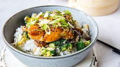 - honning-og soyamarinert skrei - steamed/baked honey-and soya-marinated cod with cocosmilk rice,or noodles and broccoli/mango A Food, Good Food, Food And Drink, Asian Recipes, Ethnic Recipes, Fish Dinner, Always Hungry, I Want To Eat, Eating Well