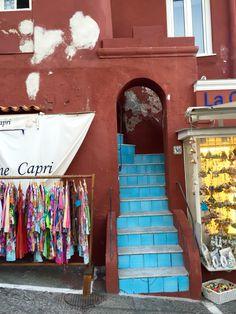 Capri #architecture #beauty #simplicity #explore #locals #travel #capri #italy