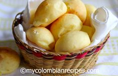 (Colombian Cheese bread) Pandebono de Colombia cannot wait to make this delicious cheesy goodness!Pandebono de Colombia cannot wait to make this delicious cheesy goodness! My Colombian Recipes, Colombian Dishes, Colombian Cuisine, Cuban Recipes, Columbia Food, Good Food, Yummy Food, Cheese Bread, Bread And Pastries