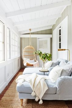 Browse images of sunroom designs and also design. Discover ideas for your 4 periods space enhancement, including inspiration for sunroom decorating and also designs. Sunroom Furniture, Living Room Furniture, Living Room Decor, Furniture Ideas, House Furniture, Furniture Sale, Living Rooms, Furniture Design, Family Furniture