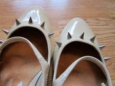 DIY Spikes : DIY Spike Studded Shoes  :   DIY Shoes DIY Refashion