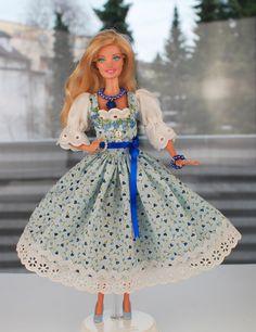 """Spielzeug - Barbie Dirndl Model """"Resi"""" mit Schuhen - ein Designerstück von shopmauselke bei DaWanda"""