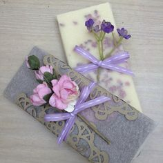 Gift wrapping chocolates