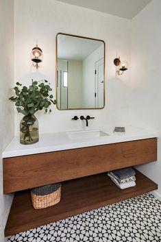 A Modern L. Home Mixes California Mediterranean With Art Deco Vibes - A Modern L. Home Mixes California Mediterranean With Art Deco Vibes A Modern L. Home Mixes Cali - Art Deco Bathroom, Modern Bathroom Design, Bathroom Interior Design, Small Bathroom, Master Bathroom, Bathroom Ideas, Bathroom Designs, Modern Bathrooms, Bathroom Mirrors