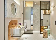 HAUS DEKOR INSPIRATIONEN | Pepe Leal Innenarchitektur Projekt. Modernes und atemberaubendes privates Haus von Pepe Leal eingerichtet. Bunt Schlafzimmer und Wohnzimmer dekor. Entdecken Sie mehr Inspirationen und Ideen zu Möbel und clicken an dem Foto.  | #Wohnungsideen #schonerwhonen #luxusmoebel #modernwohnung #buntwohnzimmer