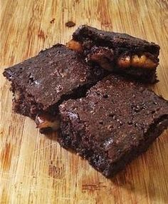 FLOURLESS CHOCOLATE BROWNIE