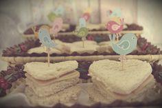 aniversário infantil; festa infantil; decoração infantil; diy, rainbow; do it yourself, stationary, papelaria, chá de bebê, baby shower, decoração fofa, vintage decor, retro, shabby chic, decor ideas, party ideas, lovely party, cake, toppers, macaron, baby colors, girl's party, festa de menina, passarinho, bird, bird cake, lovely cake, cake topper, decoration, decoração, provençal, trouxinha, sweets, treats, canudo, canudinho, straws; label; rótulo personalizado, nuvem, chuva, sanduiche…