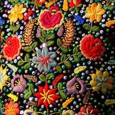 Polish embroidery http://www.garnek.pl/leo71/8831449/haft-ludowy