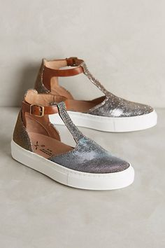 Dear Stitch Fix, I cannot find these. All sold out. Can you? I heart them so!! Function + fashion = perfect.
