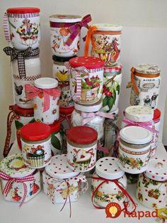 9 Técnicas de Decoração de Potes de Vidro que Você Nunca Pensou em Fazer Mason Jar Crafts, Bottle Crafts, Mason Jars, Decoupage Jars, Pot A Crayon, Jar Art, Altered Bottles, Decorated Jars, Bottles And Jars