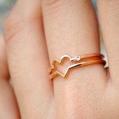 Rose Gold Love Heart Ring - Diamond Heart Ring - Valentines Day Gift for Wife - Double Band Lover Ring - Symbol of Love - Gifts for Her An simple but unique ring with double bands forming a heart in the center and a sparkling diamond on the side. Its you and your better half.. both your hearts :)