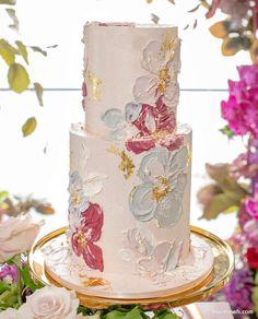 کیک چند طبقه ساده و شیک جشن تولد تزیین شده با گل های آبرنگی Gorgeous Cakes, Pretty Cakes, Cute Cakes, Bolo Fit, Bolo Cake, Easy Cake Decorating, Painted Cakes, Wedding Cake Inspiration, Novelty Cakes