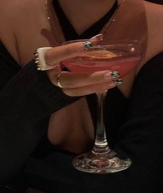 Boujee Aesthetic, Aesthetic Pictures, College Aesthetic, Margaritas Tumblr, Old Money, Accesorios Casual, Rich Girl, Rich Man, Looks Style