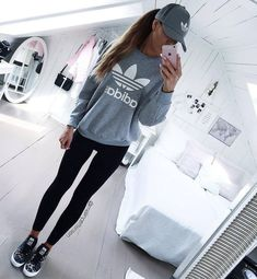 Awesome 32 Stylish Workout Outfit Ideas Everybody Will Love. More at http://trendwear4you.com/2017/12/20/32-stylish-workout-outfit-ideas-everybody-will-love/