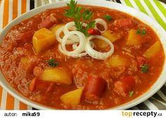 Bramborový guláš s kysaným zelím à la segedín recept - TopRecepty.cz Czech Recipes, Ethnic Recipes, Sauerkraut, Thai Red Curry, Stew, Menu, Potatoes, Cooking, Ds