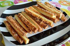 Saratele fragede | Savori Urbane Hot Dog Buns, Hot Dogs, Bacon, Bread, Breakfast, Food, Morning Coffee, Brot, Essen