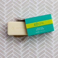 This essential oil bath bar helps to nourish and moisturize the skin, while providing a clean, fresh scent during shower or bath time.