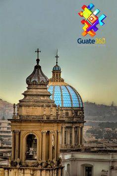 Catedral de Guatemala - torre y cúpula.