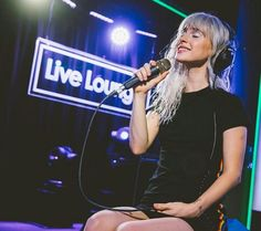 Hayley williams Paramore BBC Radio 1 live lounge #platinum #blonde