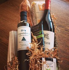 Another gift basket complete for our favorite real estate lender!!! Custom Labeled with Brand Identity, Greek EVOO basket - filled with local goodies from Pane Bianco and DeCio Pasta email: info@myolivepress.com or visit www.myolivepress.com. #phx #localaz #madeinaz #madetoorder #panebianco #freshbread #atx #localatx #phoenix #tempe #scottsdale #chandler #gilbert #arizona #oliveoil #evoo #closinggift #personalized #custom #pinnaclecapital