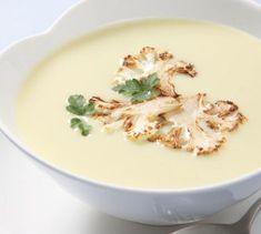 Crema de coliflor y almendras Easy Healthy Recipes, Veggie Recipes, Soup Recipes, Vegetarian Recipes, Easy Meals, Easy Cooking, Cooking Recipes, Fettucine Alfredo, Pasta Soup