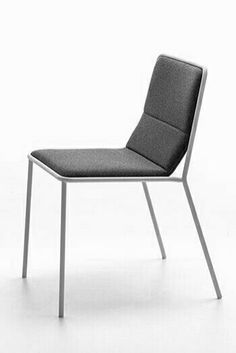 Interdema is the new vertical Interior Design portal dedicated to manufacturers, designers and distributors of the furniture, lighting and décor sectors. Office Furniture Design, Chair Design, Modern Furniture, Metal Chairs, Side Chairs, Living Room Chairs, Dining Chairs, Stoff Design, Restaurant Chairs