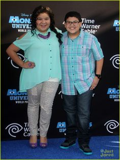 Laura Marano & Raini Rodriguez: 'Monsters University' Premiere with Rico!: Photo Laura Marano hits the blue carpet for the premiere of Monsters University held at the El Capitan Theatre on Monday evening (June in Hollywood. Raini Rodriguez, Curvy Girl Fashion, Plus Size Fashion, Laura Marano, Austin And Ally, Monster University, Just Jared, Girl Style, My Style