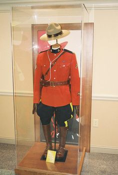 RCMP Uniform at Table Rock in Niagara Falls, ON by Wes Adams, via Flickr